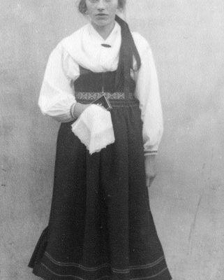Sollerödräkter-arkiv - Äldre foton från Sollerö socken