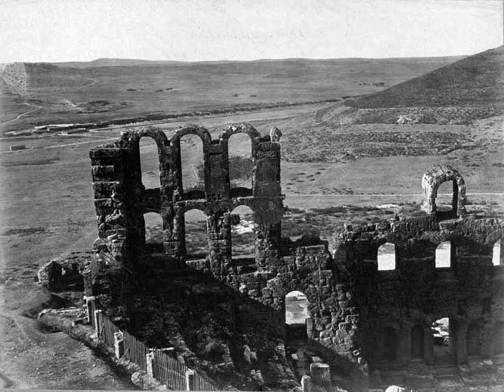 1870. Η θέα από το Ωδείο Ηρώδου του Αττικού. Felix Bonfils (Γάλλος φωτογράφος 1831 ~ 1885).