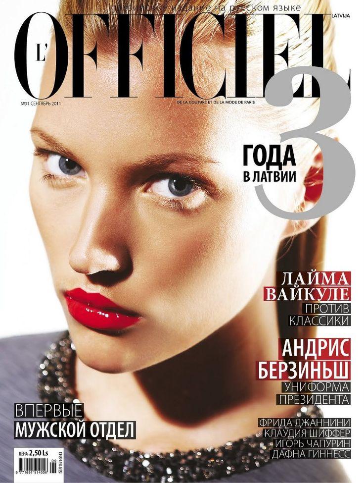 55 best l 39 officiel images on pinterest fashion cover magazine covers and fashion magazine cover. Black Bedroom Furniture Sets. Home Design Ideas