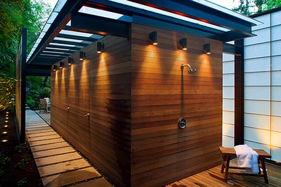 http://www.exinteriordesign.com/wp-content/uploads/2009/12/Rinse-the-Bathroom-Pool-House-Design.jpg