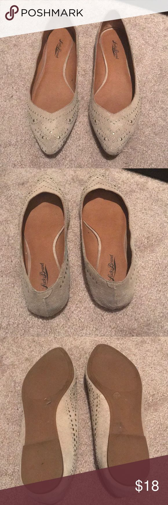 Lucky Brand flats Leather upper. Man made lining. Great condition. Smoke free home Lucky Brand Shoes Flats & Loafers