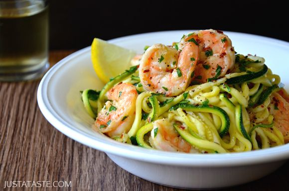 Skinny Shrimp Scampi with Zucchini Noodles Recipe | Perfect combo of #fiber & #protein with tons of flavor!   {Selvera-approved meal! http://selvera.com/}