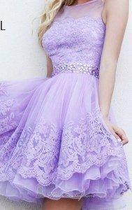 vestido-lila-con-encaje