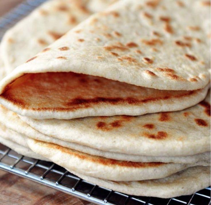 Härliga tunna bröd som inte behöver jäsa. De gräddas snabbt i en stekpanna. Goda till frukost eller fyll dem med en god röra & grönsaker. Eller använd dem som tacobröd.