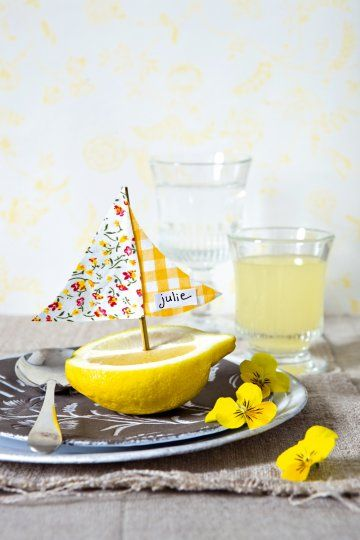 Lemon boat place cards. Great idea for a spring or summer party.