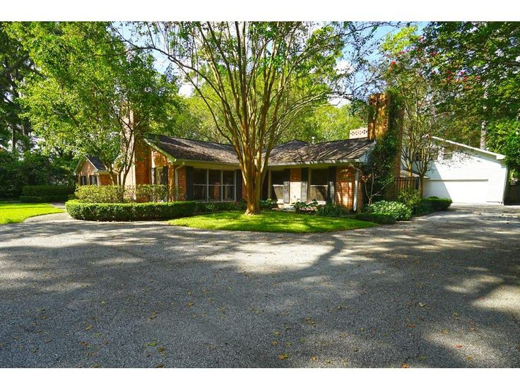771 KUHLMAN. Welcome Home to 771 Kuhlman! This beautiful home is situated on a large, wooded 43329 SF lot in the heart of Memorial.Located in the comfort of Hunters Creek Village with excellent Spring Branch ISD schools and the conveniences of in-town living. Bernstein Realty, Houston Real Estate