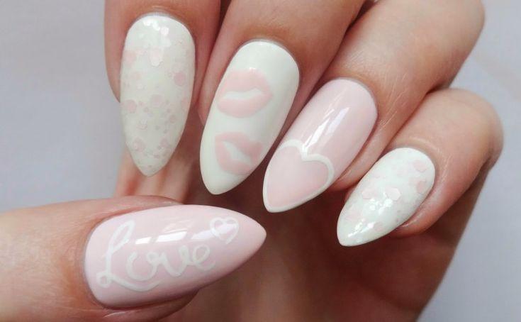 """Twoje ślubne paznokcie to świetny sposób, aby dodać trochę """"siebie"""" do Twojego ślubnego look'u, zwłaszcza jeśli masz mieć na sobie tradycyjną białą suknię."""