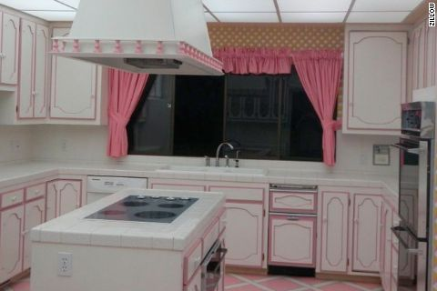 Doomsday bunker---I want this bunker kitchen.