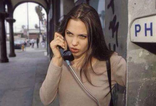 angelina joli, téléphone