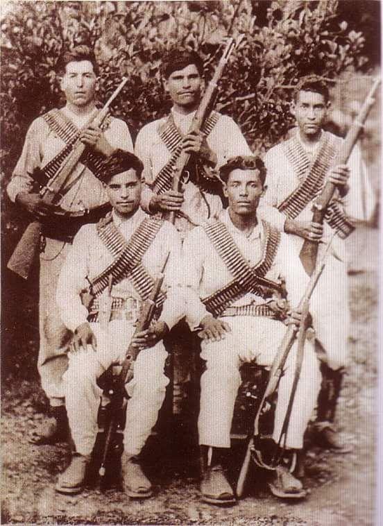 Revolucionarios, 1913