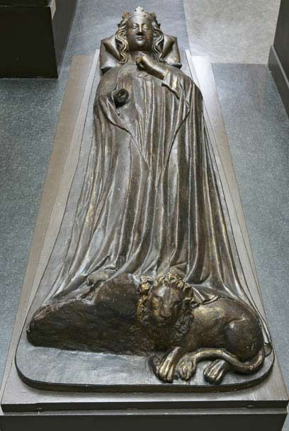 eleanEffigy of Queen Eleanor of Castile, first wife of Edward I (1241-90) By William Torel (fl. 1291; d. 1303) About 1291-3 Gilt bronze Confessor's Chapel, Westminster Abbey, London, England Eleanor of castile | Queen Eleanor