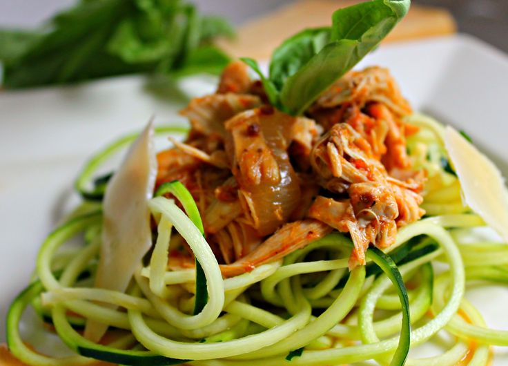 "Slow Cooker Chicken Marinara with Basil Zucchini ""Noodles""  SUPER EASY PREP!"