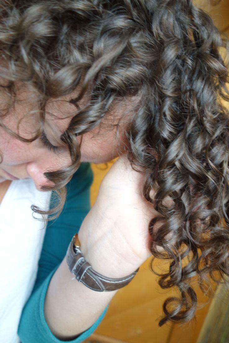 Perfektes Haargel zum definieren und stylen deiner Naturlocken. Einfaches & schn…