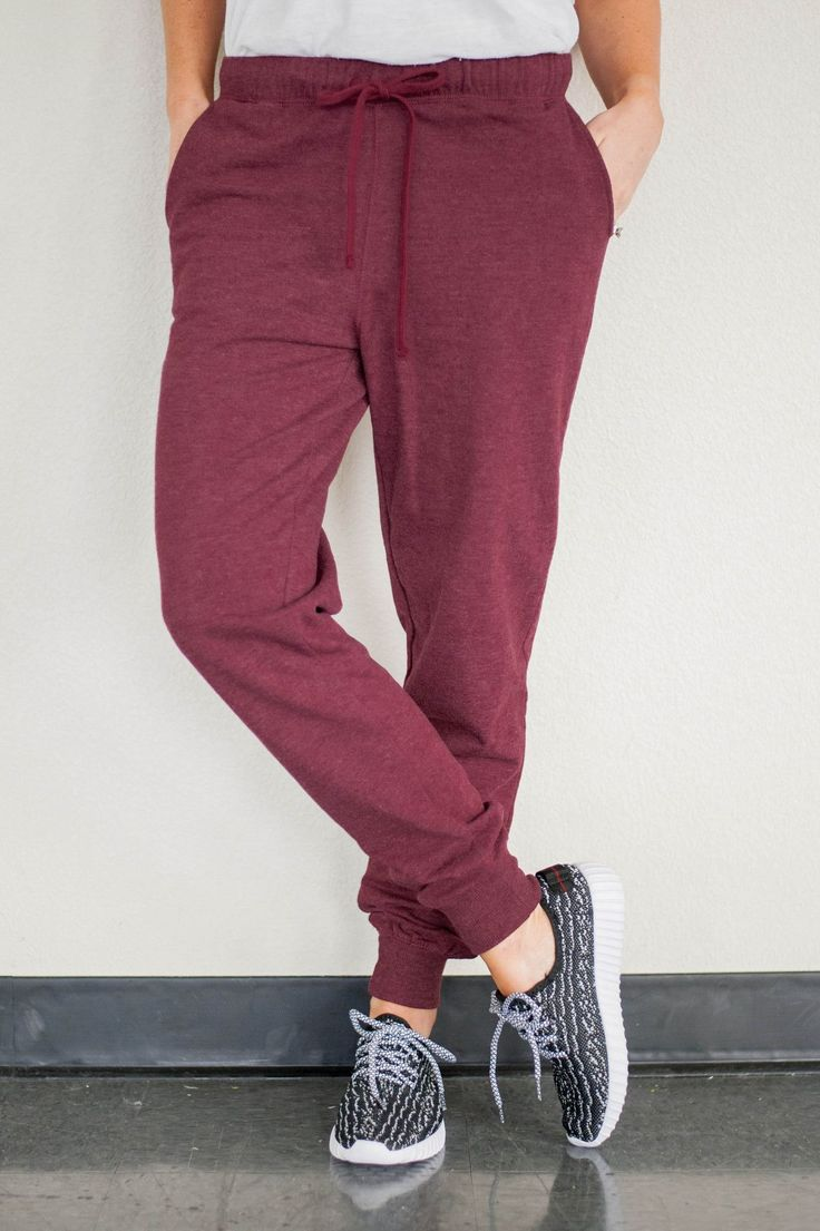 COZY JOGGERS IN BURGUNDY