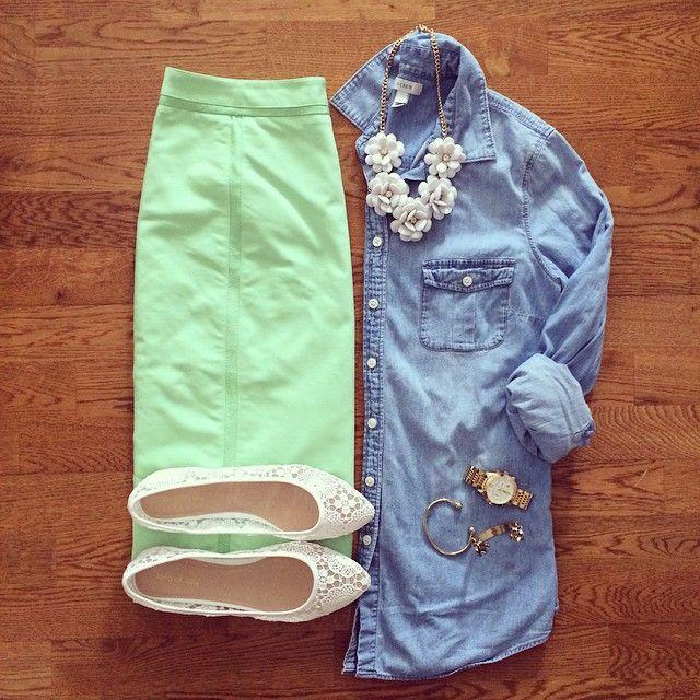 Down East Basics Mint Pencil Skirt, Chambray Shirt, Lace Flats | #weekendwear #casualstyle #liketkit | www.liketk.it/1kAOE | IG: @whitecoatwardrobe