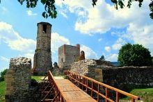 Kisnána ligt in het pittoreske zuidoosten van de Mátra in Hongarije. De belangrijkste bezienswaardigheid van Kisnána is het 11e of 12e eeuwse kasteel van de familie Kompolti.  Tijdens de regeerperiode van het Huis Árpád (kleine 1000 jaar geleden) was het gebied rondom Kisnána eigendom van de Aba stam van Hongarije.  Lees meer: http://www.hungariahuizen.nl/kisnana/