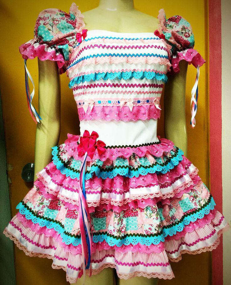 Lindo vestido caipira adulto curto com ceroula