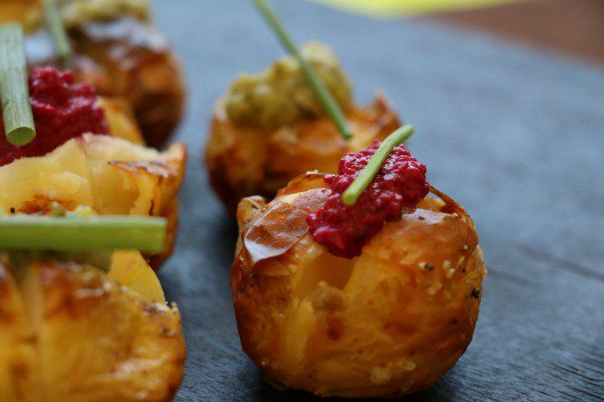 25 best ideas about mini jacket potatoes on pinterest for Vegetarian canape