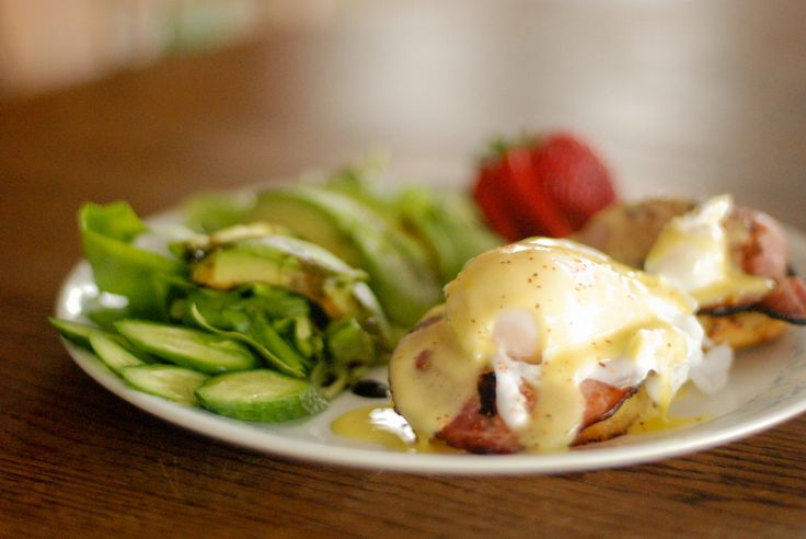 Paleo Eggs Benedict #paleo #sunday