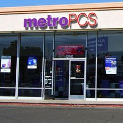 Prime Deal Switch to MetroPCS and get a free year of Amazon Prime and a Samsung Galaxy J7 Prime - Phone Arena