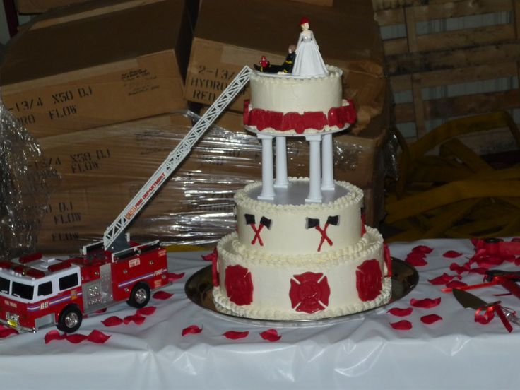 fireman themed wedding cakes firefighter wedding cake creative cakes 14272