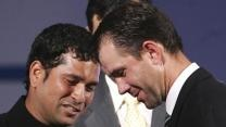 Former Australia skipper Ricky Ponting exchanged text messages with Indian batting maestro Sachin Tendulkar after being picked by the Mumbai Indians (MI) in the 2013 Indian Premier League (IPL) auction held on Sunday.