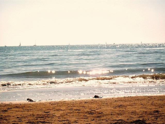 Il luccicchio del mare al mattino