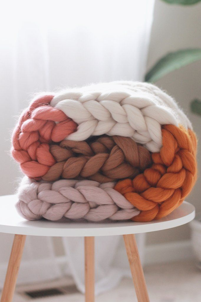 This Neutral Crochet Baby Blanket Pattern Is Perfect For A
