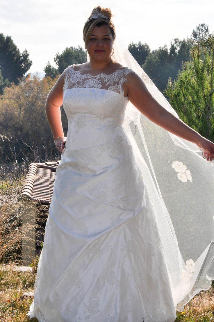 Melissandre robe de mariée grande taille tout en dentelle de Calais