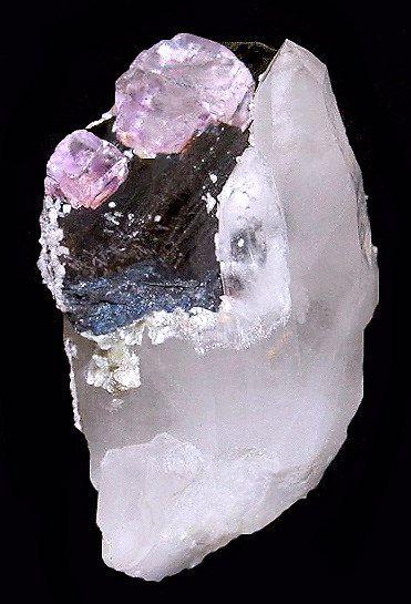 Terminated blade of Wolframite on Quartz points with Fluorite, Dolomite, Muscovite. Yaogangxian Mine, Hunan Province of China