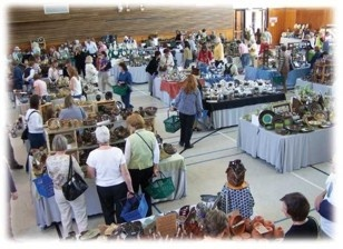 Shoppers at the Pottery Sale in Dundas