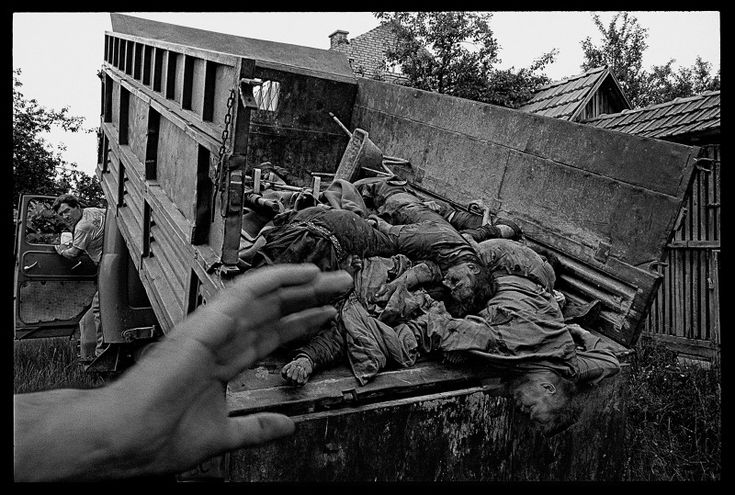 "JAMES NACHTWEY: ""From Inferno to War: A Few Considerations on James Nachtwey, VII, and War Photography"" (2004)"