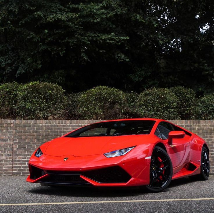 Lamborghini Huracan painted in Rosso Mars  Photo taken by: @harrisonkcars on Instagram