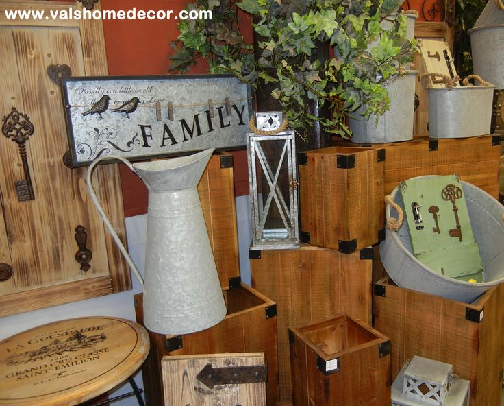 accent furniture, signs, garden tubs, and wall signs for your country home!