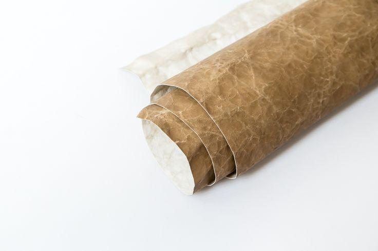 815** Přibližná velikost:. cca 98/73 cm  Tloušťka: 0,55 mm  Složení: celulóza impregnovaná latexem [wash-M-paper - pratelný papír]wash-M-paper GENUA sahara 100/75
