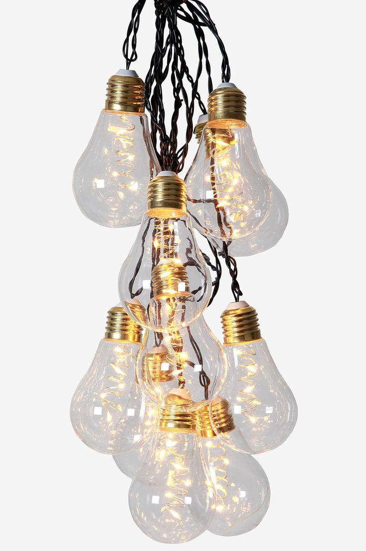 Lasiset hehkulamput, joissa messinkikanta. Muuntaja. Köynnöksen kokonaispituus 8,6 m. 5 metrin väli ensimmäiseen lamppuun. Yhteensä 10 LED-lamppua, joissa lämpimän valkoinen valo.