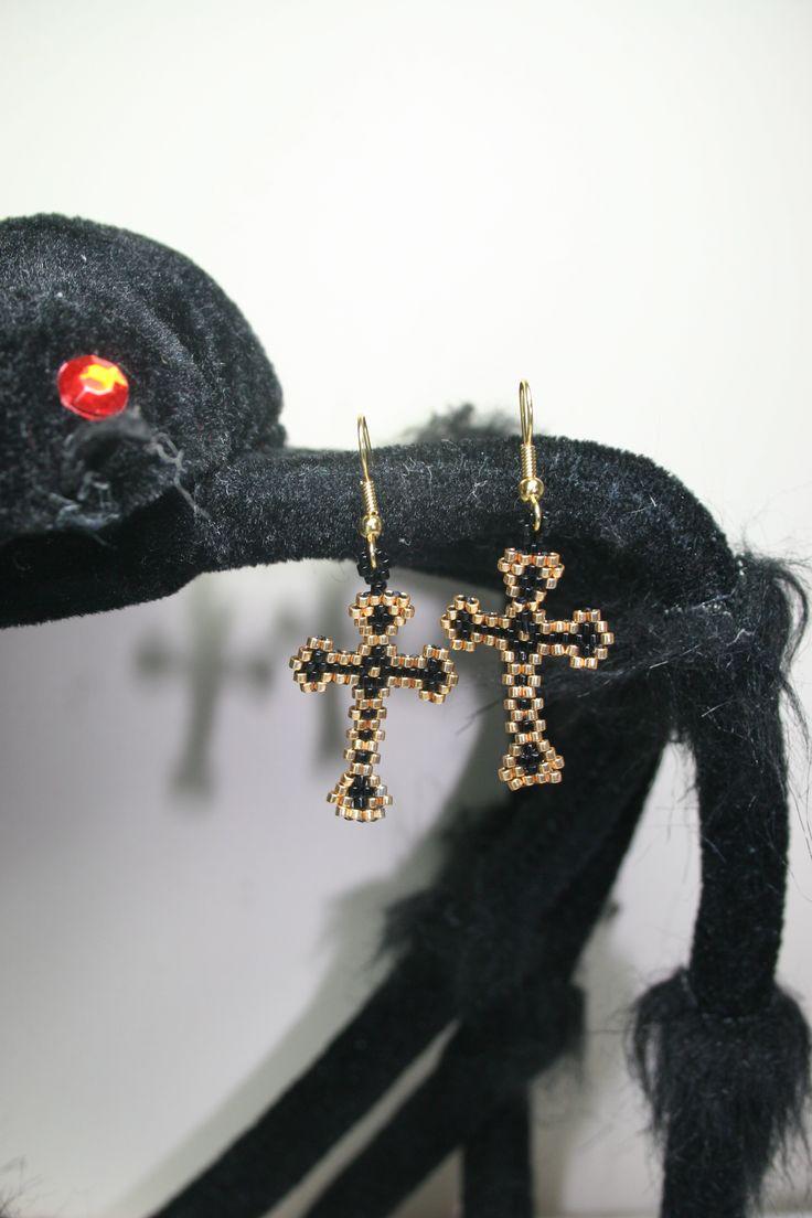 cross earrings for Halloween  www.facebook.com/Supposejewellery  (pattern by threadabead.com)