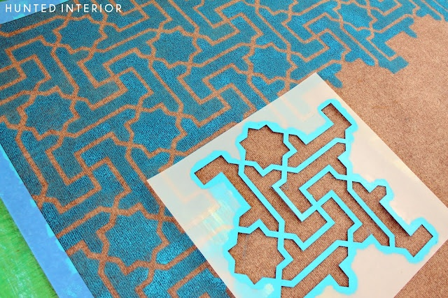 Want to see how to stencil a rug perfectly?? Just follow Kristin's instructions using our Moroccan Key stencil!: Idea, Inexpensive Rugs, Diy Outdoor Rugs, Corks Boards, Inexpen Rugs, Hunt'S Interiors, Design Studios, Stencil Rugs, Diy Rugs