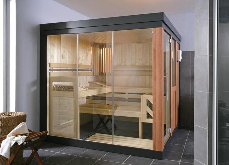 Helo spring mooie open sauna in de showroom van bubbels jets