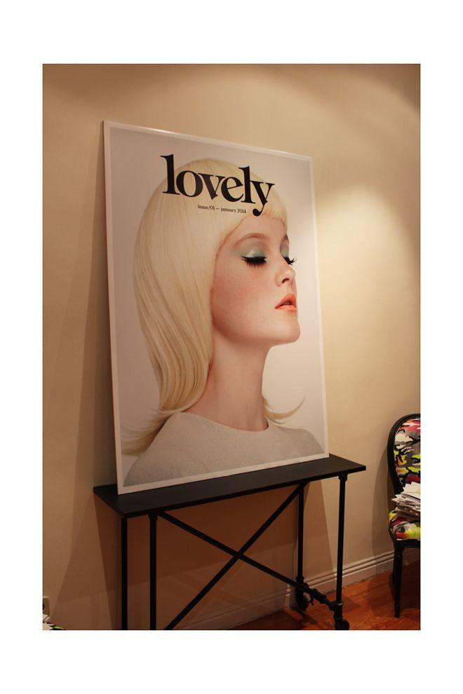 Portada da la revista #Lovely en el evento de su lanzamiento.