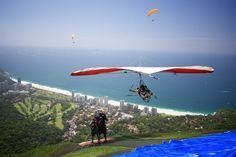 Vuela en ala delta sobre Rio de Janeiro. | 41 aventuras para añadir a tu lista de cosas que hacer antes de morir