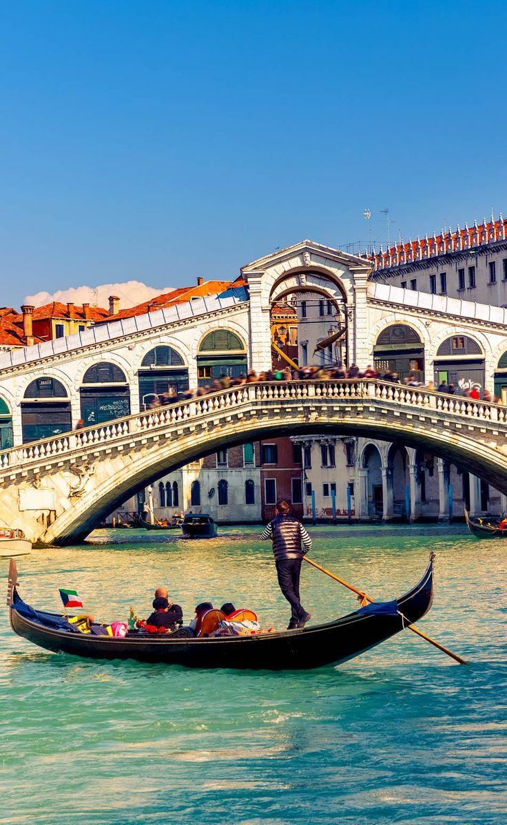 Gondola near Rialto Bridge in Venice, Italy | 10 Amazing Photos of Venice, the City Blessed with Eternal Love