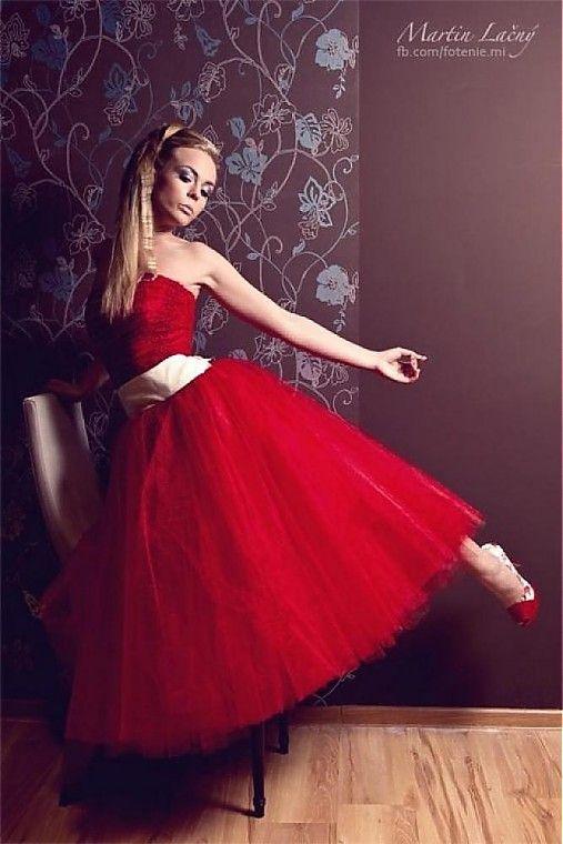 beautiful red dress - fifties