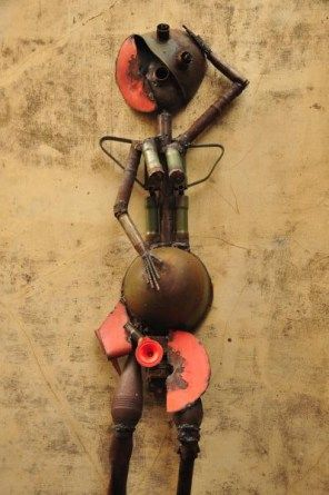 Goncalo Mabunda is possibly one of Mozambique's most well known sculptors: http://eagerjourneys.com/48-hours-in-maputo/