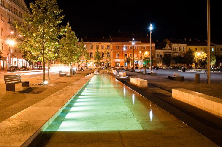 Piata Unirii by night / source: http://eru-maamandil.deviantart.com #cluj