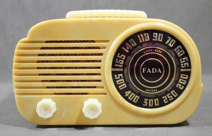 "Antique 1946 Art Deco Fada Model 845 ""Cloud"" Yellow & White Bakelite Radio"