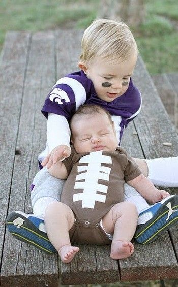 cute halloween costumes for kids: Football Baby, Halloween Costumes, Football Players, Sibling, Boys, Big Brother, Kids, Halloween Ideas, Costumes Ideas