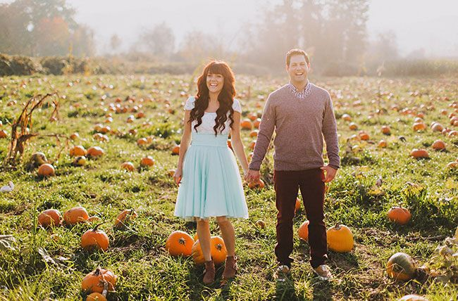 pumpkin patch engagement photos - I love everything about this couple's engagement pictures
