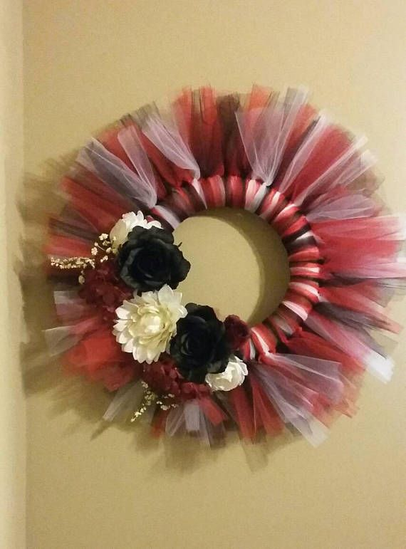 Check out this item in my Etsy shop https://www.etsy.com/listing/525144322/razorback-tulle-wreath