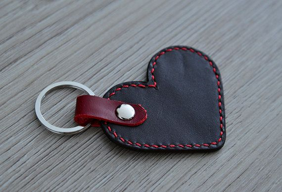 Leather heart keychain various colors van NHLdesign op Etsy